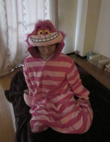 女性が用意したパジャマに着替えおどける一条さん_―_スポニチ_Sponichi_Annex_社会